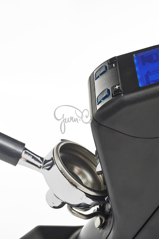 EUREKA ZENITH Club E - profesionální přímý mlýnek na kávu - barva Černá Nero opaco