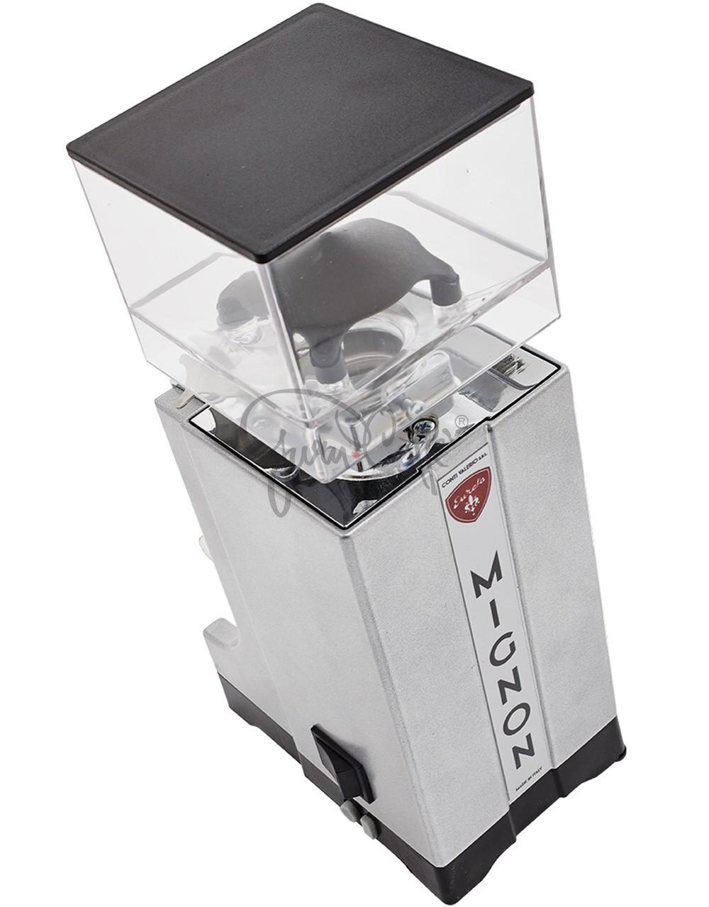 EUREKA Mignon Instantaneo - profesionální přímý mlýnek na kávu - barva Černá Nero Opaco, verze manuál bez časovače