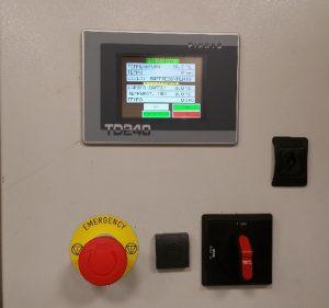 Plně automatický profesionální stroj pro pražení kávy značky Sweet Coffee Italia model GEMMA s kontrolním panelem a mikroprocesorovým řízením - barva červená