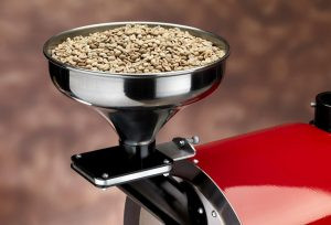 Plně automatický profesionální stroj pro pražení kávy značky Sweet Coffee Italia model GEMMA s kontrolním panelem a mikroprocesorovým řízením - barva bílá